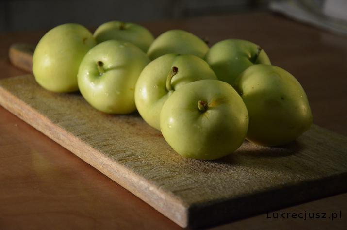 Papierówki zielone jabłka