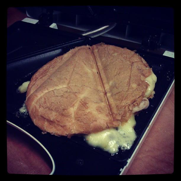 Kto powiedział że #tost na #śniadanie musi być z pieczywa tostowego? #breakfast #foodporn