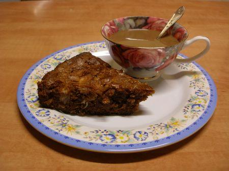 Brownie z gruszką i pomelo