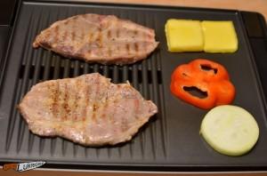 Karkówka i żółty ser z grilla na drugie śniadanie